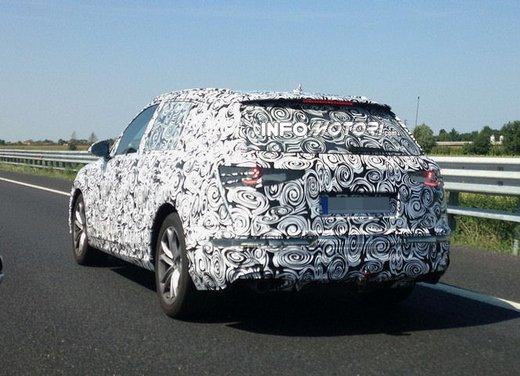 Audi Q7 foto spia - Foto 2 di 6