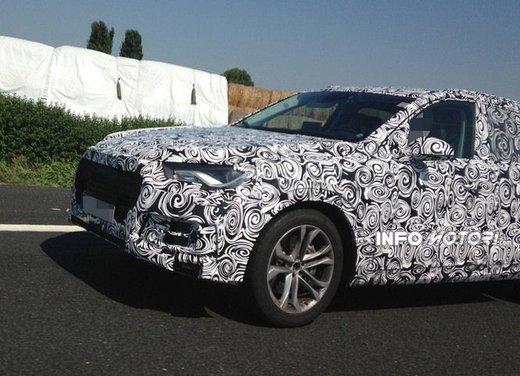Audi Q7 foto spia - Foto 4 di 6