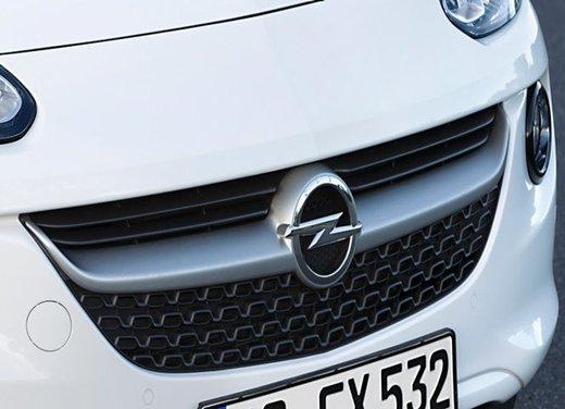 Opel Adam Black Link e Adam White Link - Foto 2 di 5