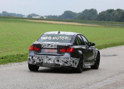 BMW M3 berlina nuove foto spia e dettagli - Foto 1 di 7