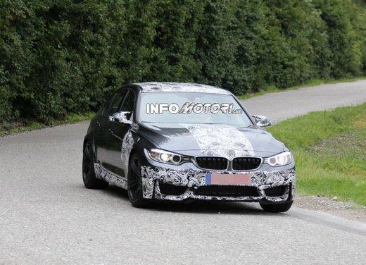 BMW M3 berlina nuove foto spia e dettagli - Foto 2 di 7
