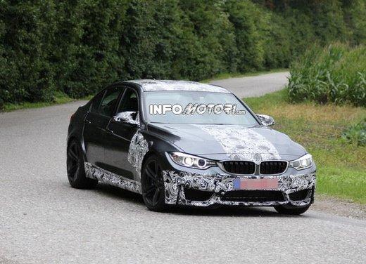 BMW M3 berlina nuove foto spia e dettagli - Foto 3 di 7