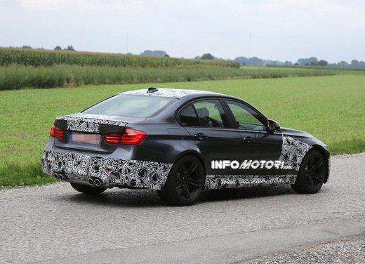 BMW M3 berlina nuove foto spia e dettagli - Foto 6 di 7