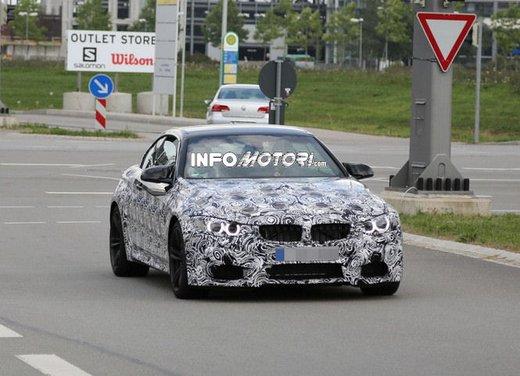 BMW M4 Cabrio foto spia - Foto 3 di 8