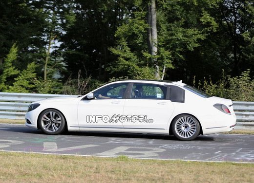 Mercedes Classe S XL foto spia - Foto 4 di 16