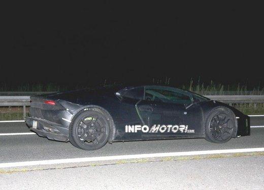Lamborghini Cabrera prime foto spia - Foto 11 di 11