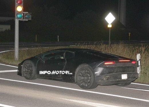 Lamborghini Cabrera prime foto spia - Foto 5 di 11