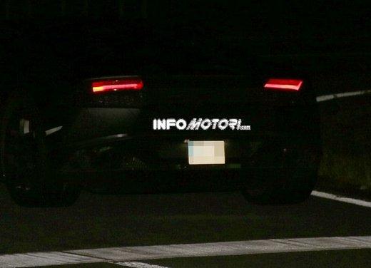 Lamborghini Cabrera prime foto spia - Foto 6 di 11