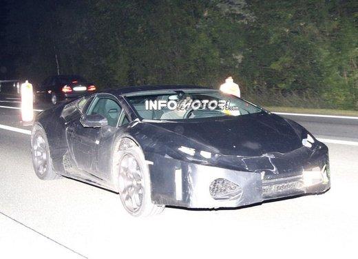 Lamborghini Cabrera prime foto spia - Foto 7 di 11