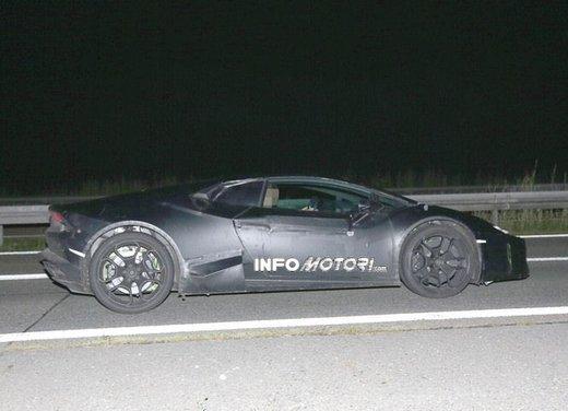Lamborghini Cabrera prime foto spia - Foto 10 di 11