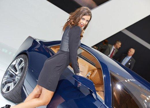 Le foto delle più belle modelle tra gli stand del Salone di Francoforte 2013 - Foto 12 di 15