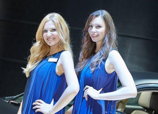 Le foto delle più belle modelle tra gli stand del Salone di Francoforte 2013 - Foto 15 di 15
