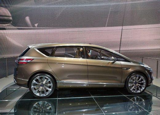 Ford S-Max Concept - Foto 2 di 17