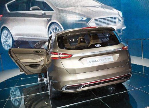 Ford S-Max Concept - Foto 6 di 17