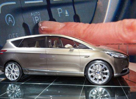 Ford S-Max Concept - Foto 10 di 17