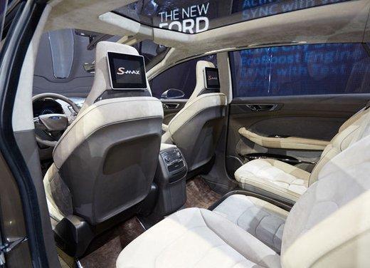 Ford S-Max Concept - Foto 15 di 17