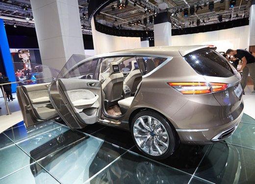 Ford S-Max Concept - Foto 11 di 17