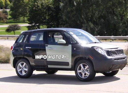Fiat Jeep baby SUV foto spia della nuova piattaforma compatta - Foto 1 di 16