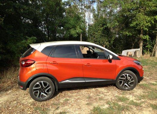Renault Captur Long Test Drive - Foto 2 di 20