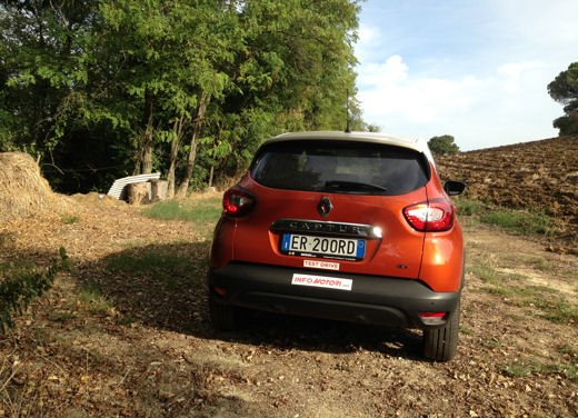Renault Captur Long Test Drive - Foto 20 di 20