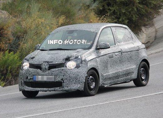 Renault Twingo cinque porte foto spia - Foto 7 di 7