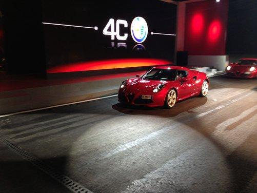 Alfa Romeo 4C provata su strada e pista a Balocco - Foto 1 di 21
