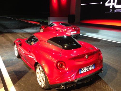 Alfa Romeo 4C provata su strada e pista a Balocco - Foto 6 di 21