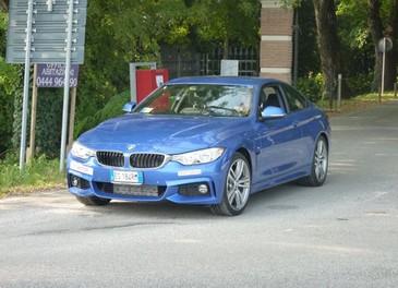BMW Serie 4 Coupè, prova su strada della nuova BMW Serie 3 Coupè che diventa Serie 4 Coupè - Foto 18 di 26