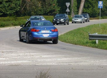 BMW Serie 4 Coupè, prova su strada della nuova BMW Serie 3 Coupè che diventa Serie 4 Coupè - Foto 24 di 26