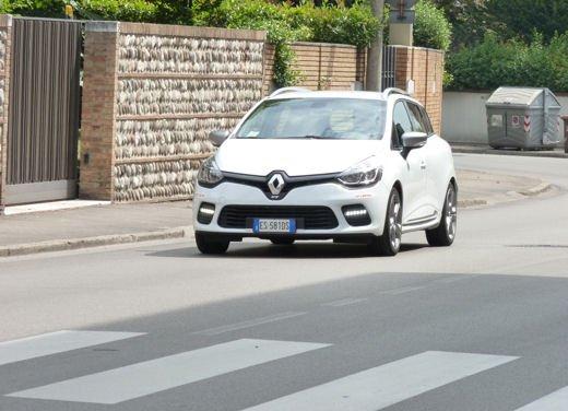 Renault Clio Sporter GT Long Test Drive - Foto 2 di 28