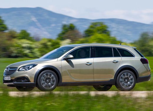 Opel Insignia Cross Tourer test drive - Foto 8 di 16