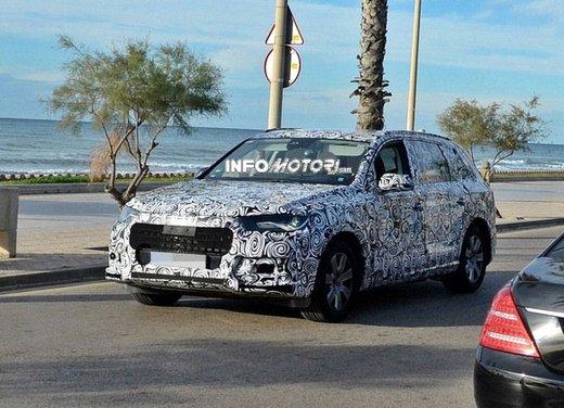 Audi Q7 nuove foto spia - Foto 1 di 9