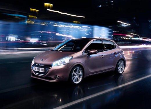Peugeot 208 al prezzo di 9.950 euro per tutto il mese di ottobre - Foto 8 di 13