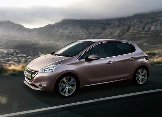 Peugeot 208 al prezzo di 9.950 euro per tutto il mese di ottobre - Foto 9 di 13