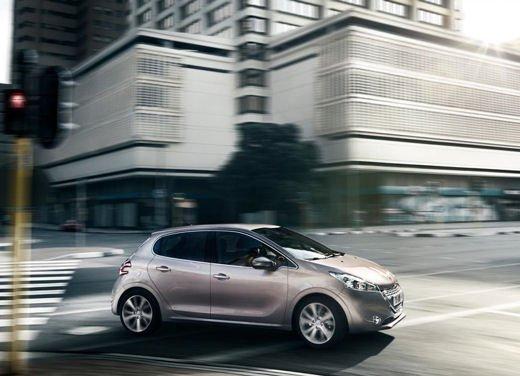 Peugeot 208 al prezzo di 9.950 euro per tutto il mese di ottobre - Foto 10 di 13
