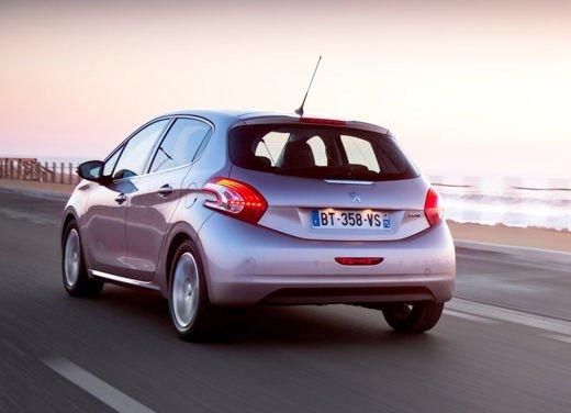 Peugeot 208 al prezzo di 9.950 euro per tutto il mese di ottobre - Foto 12 di 13