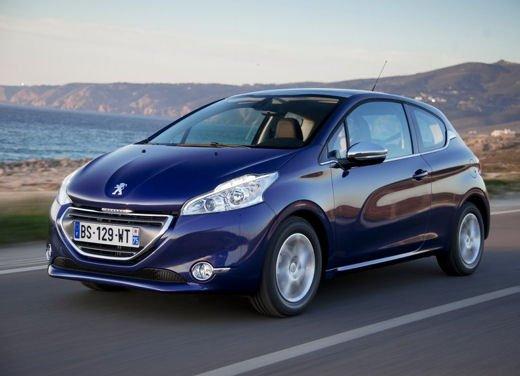 Peugeot 208 1.0 12V VTi prestazioni e consumi - Foto 2 di 13