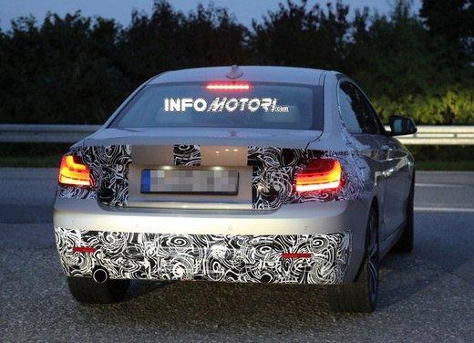 BMW Serie 2 Coupè nuove foto spia - Foto 7 di 12