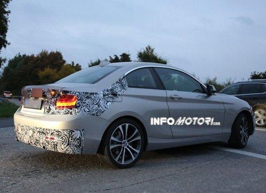 BMW Serie 2 Coupè nuove foto spia - Foto 11 di 12