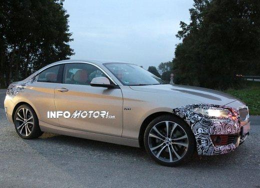 BMW Serie 2 Coupè nuove foto spia - Foto 4 di 12