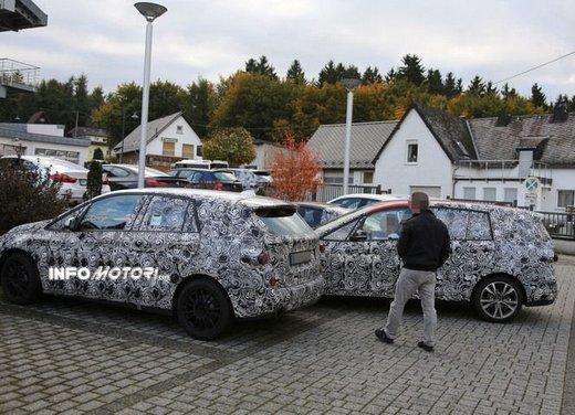 BMW Serie 1 GT foto spia delle versioni a 5 e 7 posti - Foto 15 di 19
