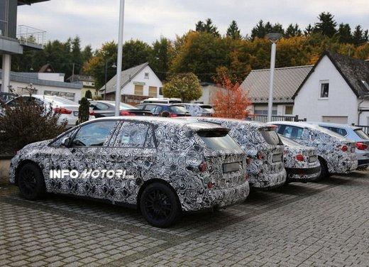 BMW Serie 1 GT foto spia delle versioni a 5 e 7 posti - Foto 16 di 19