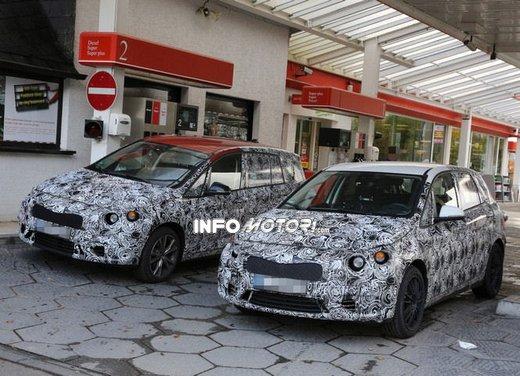BMW Serie 1 GT foto spia delle versioni a 5 e 7 posti - Foto 3 di 19