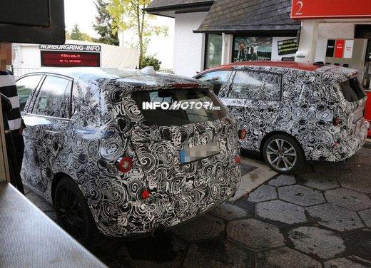 BMW Serie 1 GT foto spia delle versioni a 5 e 7 posti - Foto 6 di 19