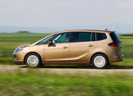 Opel Zafira Tourer a Metano, la monovolume più ecologica - Foto 9 di 20