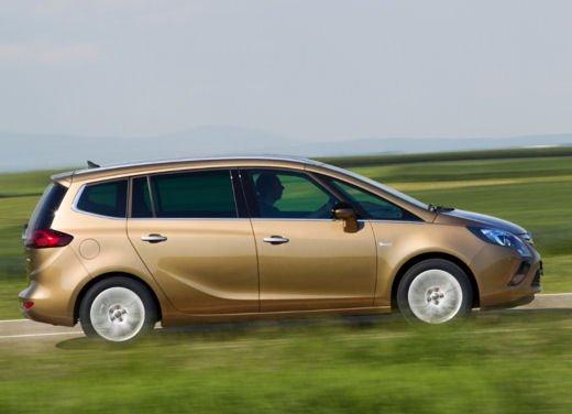 Opel Zafira Tourer a Metano, la monovolume più ecologica - Foto 10 di 20
