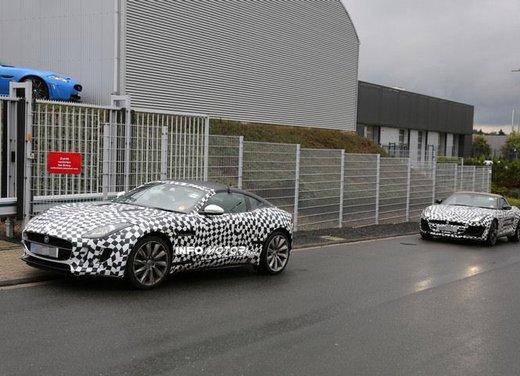 Jaguar F-Type foto spia delle varianti Coupè e Spider - Foto 1 di 5