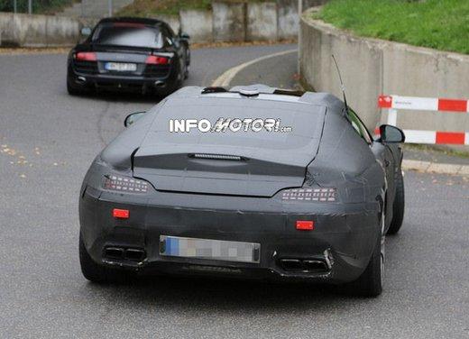Mercedes AMG GT prime foto spia - Foto 5 di 19