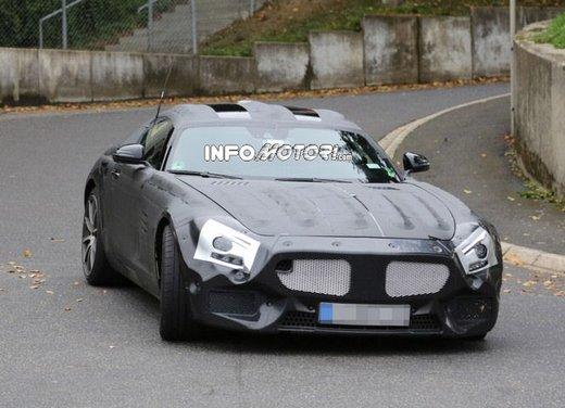 Mercedes AMG GT prime foto spia - Foto 7 di 19