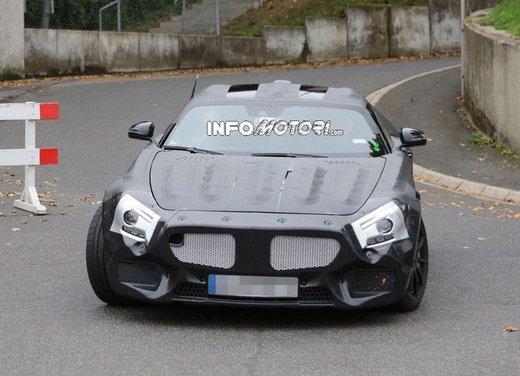 Mercedes AMG GT prime foto spia - Foto 8 di 19